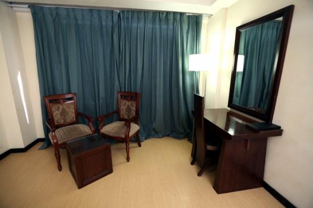 Deluxe Room - Hotel Eqbal Inn (2)