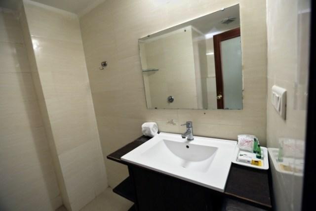 Deluxe Room - Hotel Eqbal Inn (5)