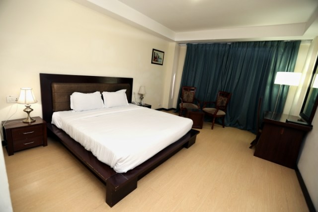 Deluxe Room - Hotel Eqbal Inn (6)